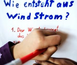wie_entsteht_aus_wind_strom_01a